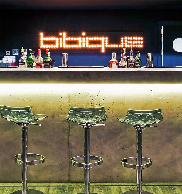Новое место (Киев): Bibique Bar — Нове місце на The Village Україна