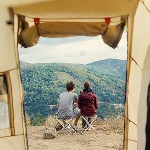 25–27 апреля: Стив Вай, британское кино и «Сокровища Межигорья» — Плани на вихідні на The Village Україна