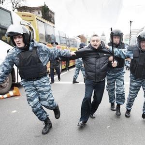 Copwatch: Действия милиции на Крещатике в день оглашения приговора Юлии Тимошенко — Люди в місті на The Village Україна
