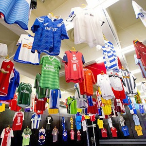 Люди в городе: Погоня за майкой — владельцы коллекций футболок игроков — Євро-2012 на The Village Україна