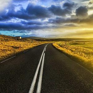 К Евро-2012 выпустили русско-английский путеводитель для автомобилистов — Євро-2012 на The Village Україна