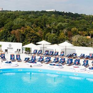Фоторепортаж: Пляжный клуб на крыше Ocean Plaza  — Фоторепортаж на The Village Україна