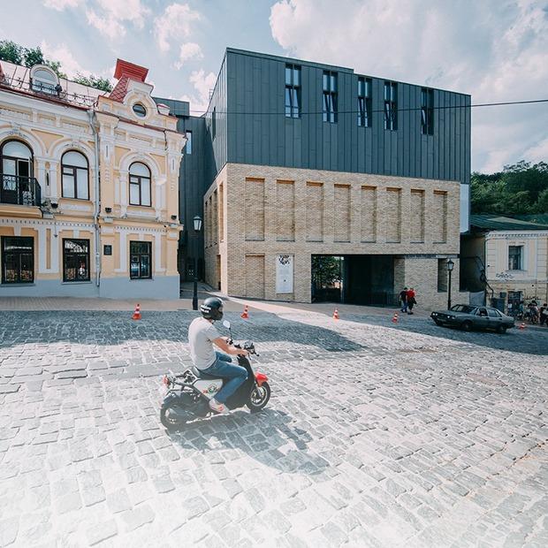 Я працюю у Театрі на Подолі — Де ти працюєш на The Village Україна