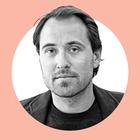 На завтрак: Дмитрий Костюков — о любви к войне и роли любительских снимков