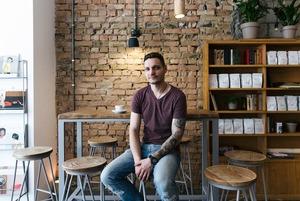 Кава і безлімітна гранола у Blur Coffee на Мечникова