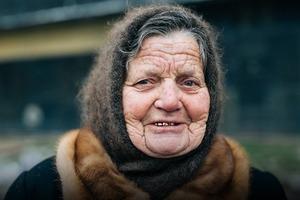«Півжиття – на Подолі»: бабусі та дідусі Житнього ринку