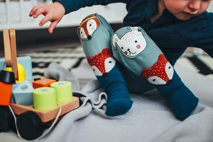 Чому розвивальні іграшки не працюють і чим небезпечні бампери в ліжечко