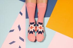 10 яскравих шкарпеток для похмурої осені