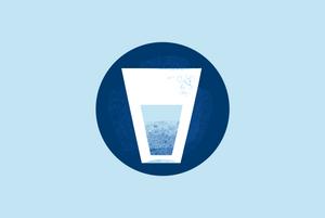 Чи потрібно випивати два літри води на день?