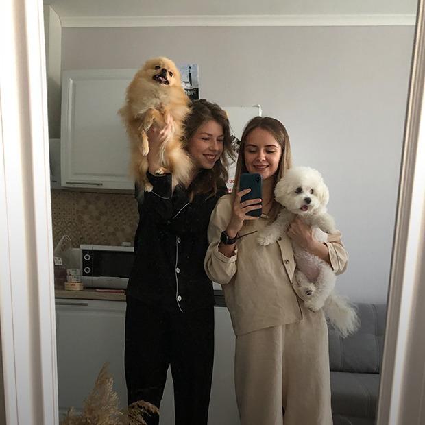 «У нас з'явилася велика родина через коридор». Ці люди дружать зі своїми сусідами — Люди в місті на The Village Україна