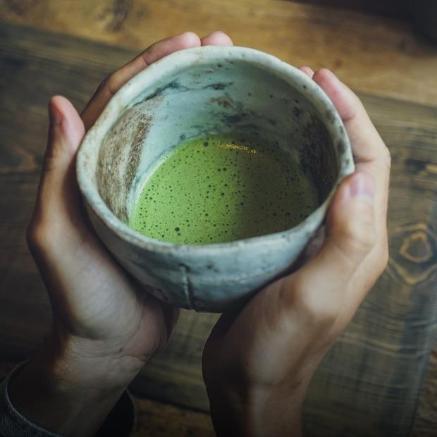 Як приготувати еспресо та лате з чаєм матча вдома — Рецепти на The Village Україна