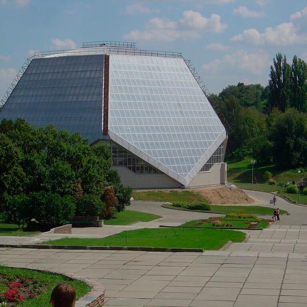 В ботсаду влаштують фестиваль Earthmate: артінсталяції на 30 гектарах та вечірки — Гід The Village на The Village Україна