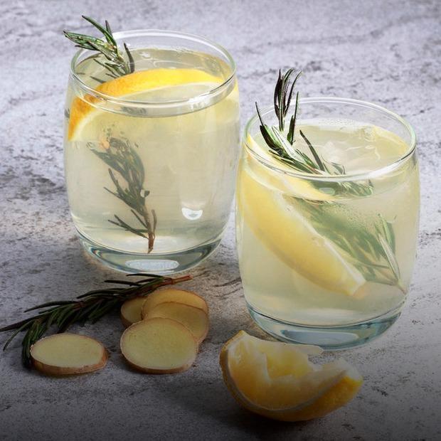 Замість лимонадів: 3 альтернативи воді — Рецепти на The Village Україна