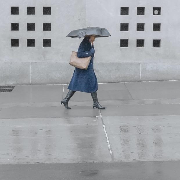 Поки дощить: 12 парасольок, які не зламаються після першої негоди  — Гід The Village на The Village Україна