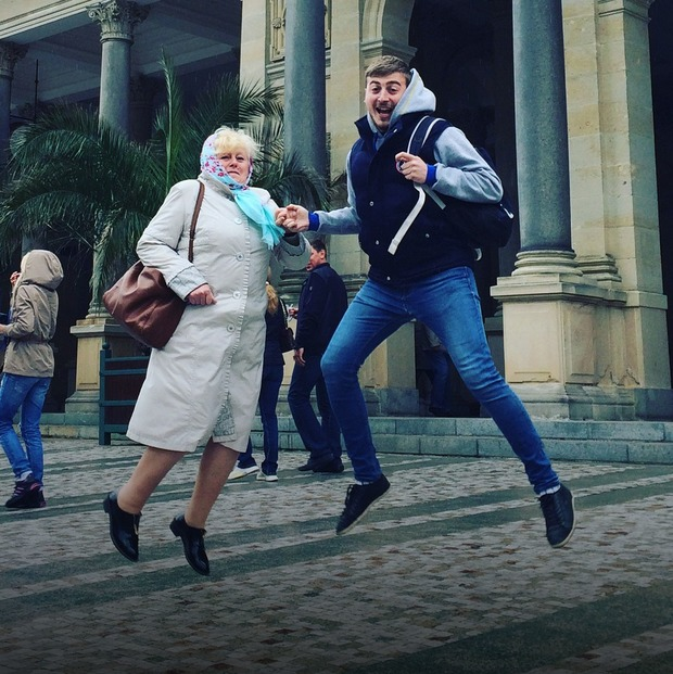 Як уперше повезти маму за кордон: «Ці моменти проміняти на щось нереально»