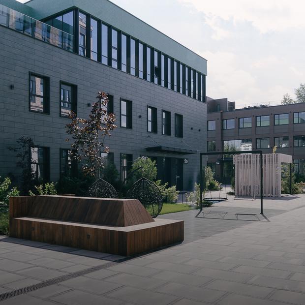 Без парканів. Як занедбану Гумову фабрику перетворили на бізнес-кампус  — Архітектура на The Village Україна