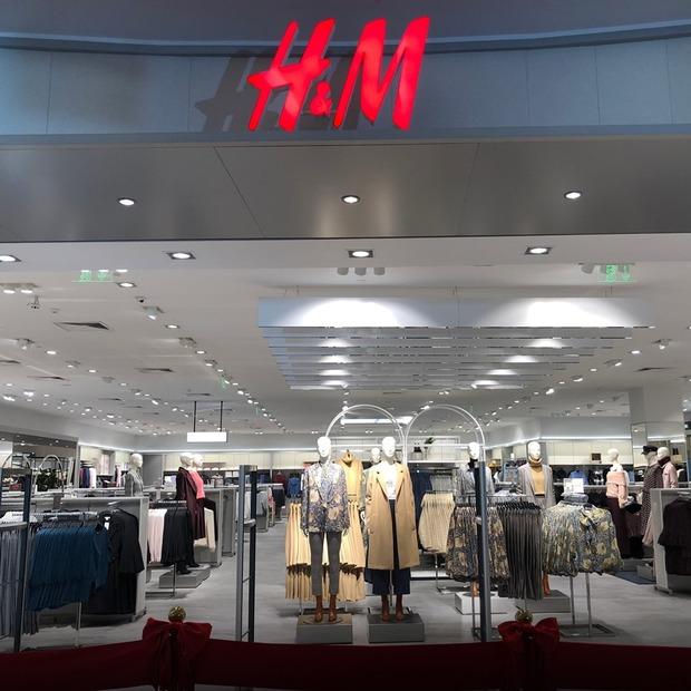 Новий H&M у SkyMall — Нове місце на The Village Україна