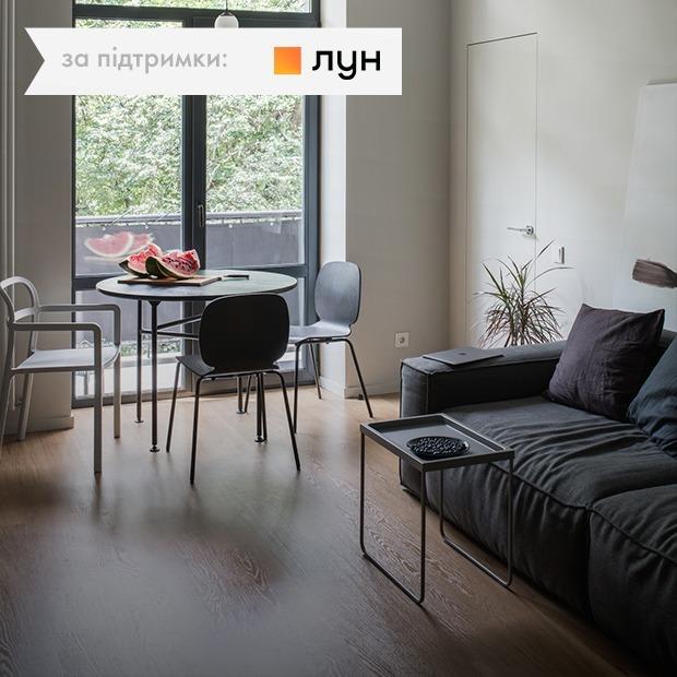 Двокімнатна квартира у «сталінці», що стала трикімнатною — Квартира тижня на The Village Україна