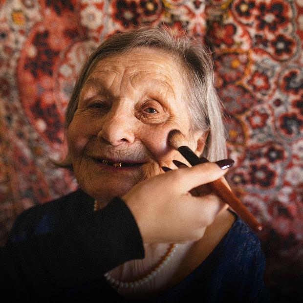 Мені 90 років, і я хочу розповісти свою історію — Власний досвід на The Village Україна