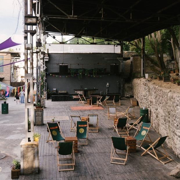 Keller Bar відновили після трьох років без роботи. У промзоні на Кирилівській — Breaking на The Village Україна