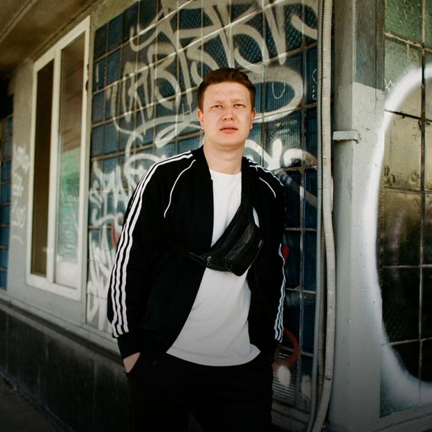 Наріман Алієв – про 2-й сезон подкасту Minсultpryvit, фільм «Тріумф» і нову щирість — Інтерв'ю на The Village Україна
