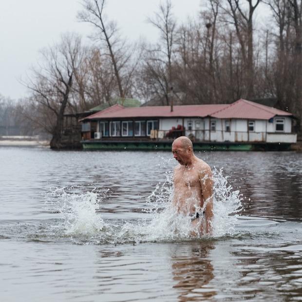 Без ополонки: яким було Водохреща в місті