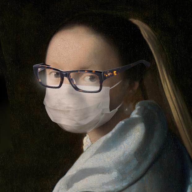 Від носіння маски запотівають окуляри. Що робити?  — Є питання на The Village Україна
