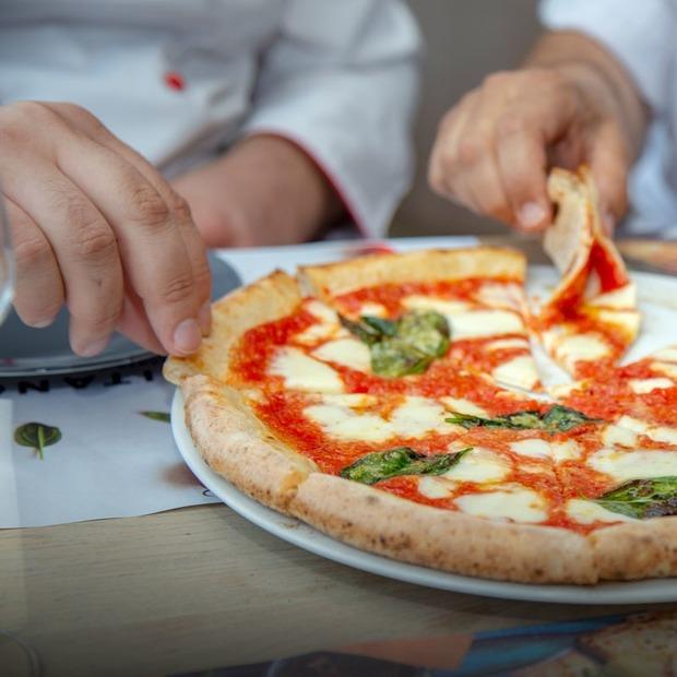 Якою має бути справжня неаполітанська піца — Є питання на The Village Україна