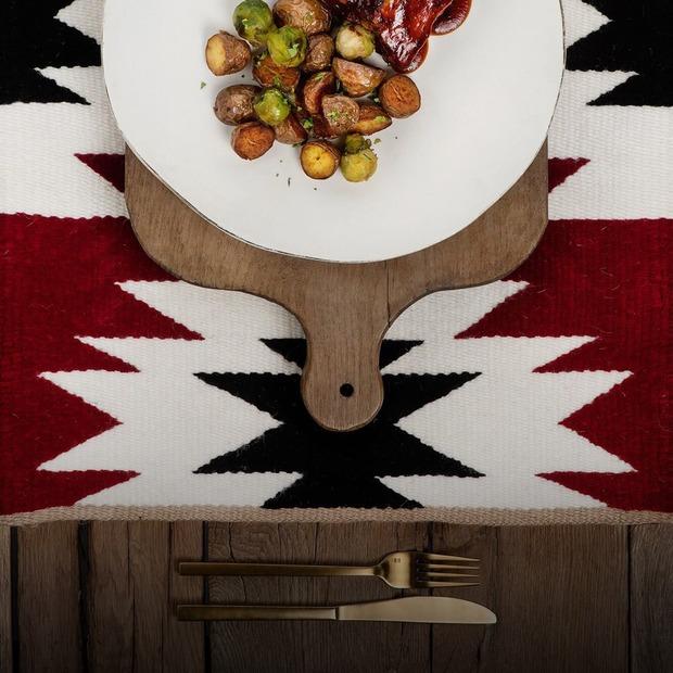 Шия ягняти та «італійський гуляш»: оновлення меню київських закладів — Ресторанні новини на The Village Україна
