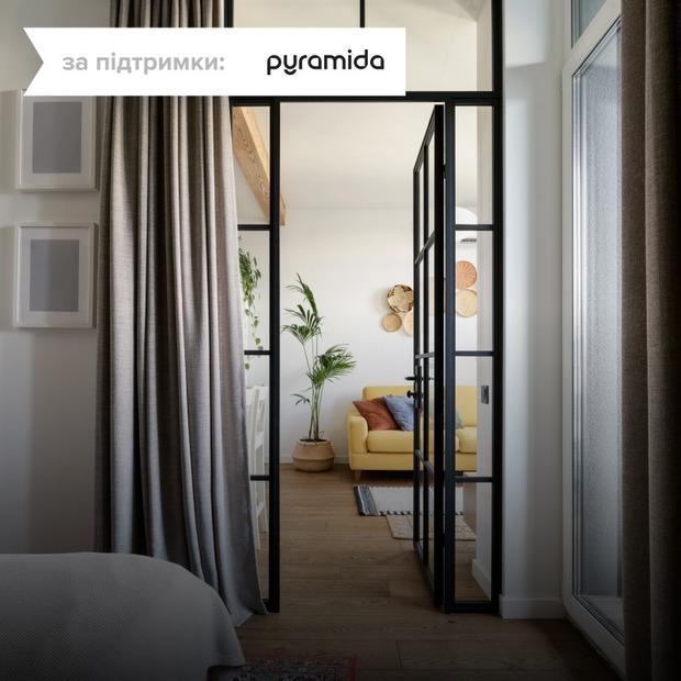 Квартира з дерев'яними меблями ручної роботи на Теремках  — Квартира тижня на The Village Україна