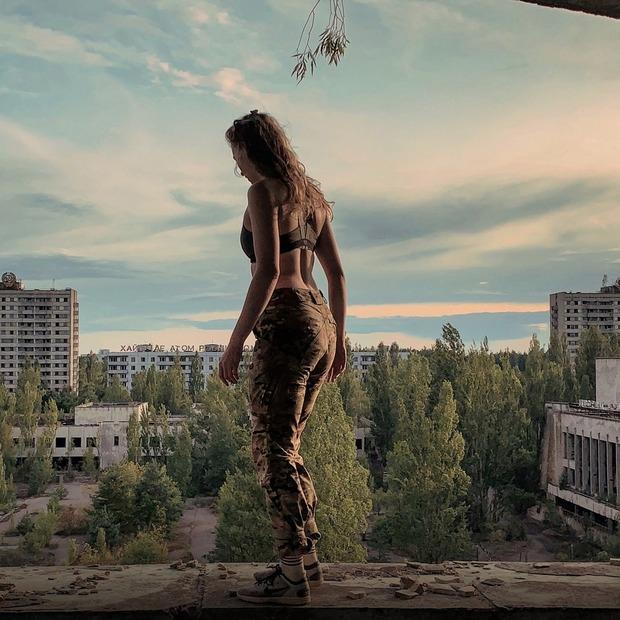 «Ми пили воду з каналізації Прип'яті». Це люди, які нелегально ходять у Зону відчуження — Люди в місті на The Village Україна