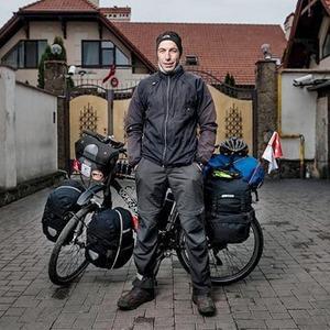 Гости столицы: Велопутешественник Гюркан Генч — Вихідні у місті на The Village Україна
