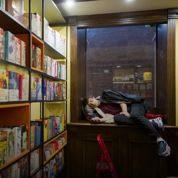 Книгарня-кав'ярня Старого Лева на Прорізній — Нове місце на The Village Україна