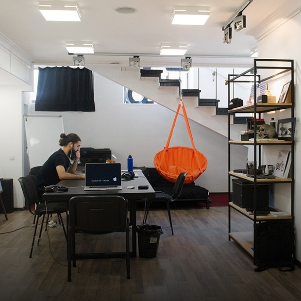Бренд-агенція «Тень» на Воздвиженці — Офіс місяця на The Village Україна
