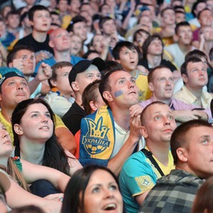 Где смотреть футбол: Альтернативные фан-зоны  — Євро-2012 на The Village Україна