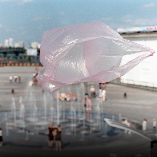 Пластикові пакети захоплюють місто — Галерея на The Village Україна