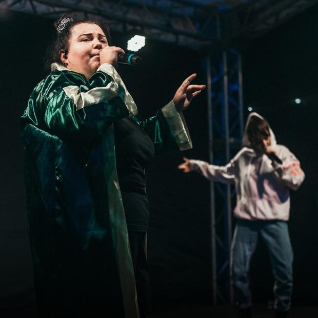 «Реп Шмеп Йо Кураж Базар»: дух Брукліна на території ВДНГ — Фоторепортаж на The Village Україна