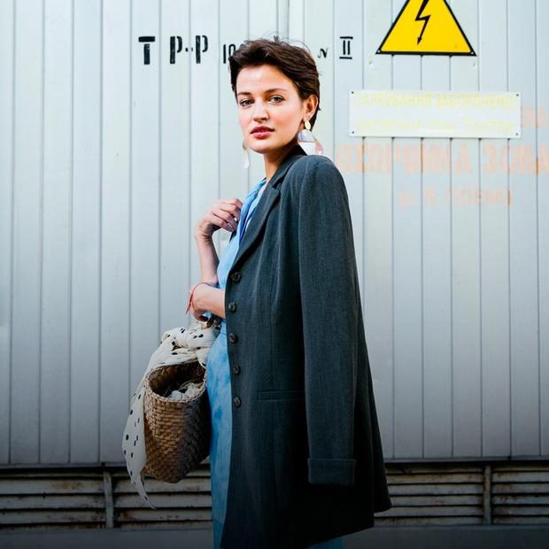 Ліза Гриненко, 23 роки, акторка  — Зовнішній вигляд на The Village Україна