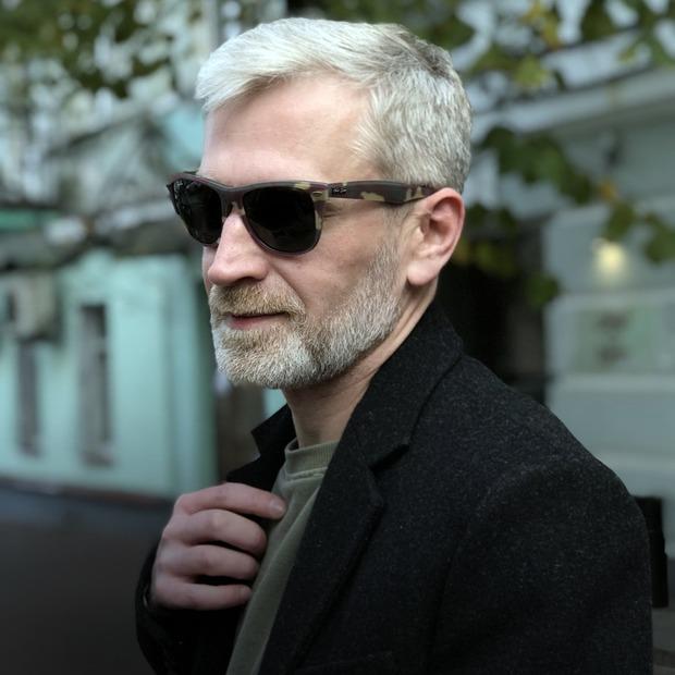 Денис Келеберденко, 41 рік, креативний директор BBDO — Зовнішній вигляд на The Village Україна