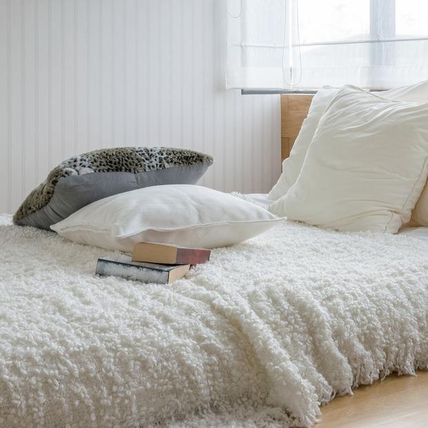 Літній режим: що потрібно змінити в спальні з настанням тепла — Дизайн-хак на The Village Україна