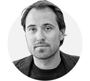 На завтрак: Дмитрий Костюков — о любви к войне и роли любительских снимков  — Люди в місті на The Village Україна