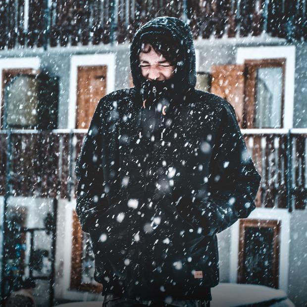 Що таке холодова алергія і чи потрібно її лікувати? — Є питання на The Village Україна