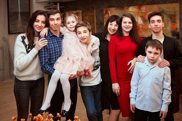 Я виховую сімох дітей і керую банком — Власний досвід на The Village Україна