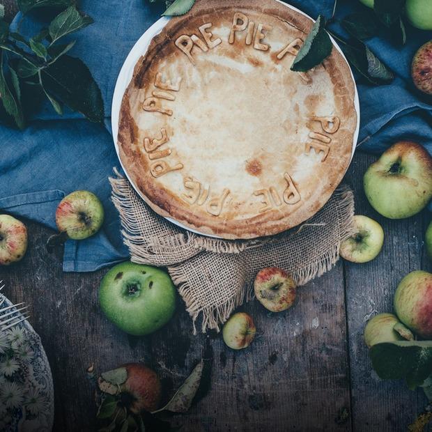 Із саду до столу: 7 рецептів страв з яблуками — Рецепти на The Village Україна