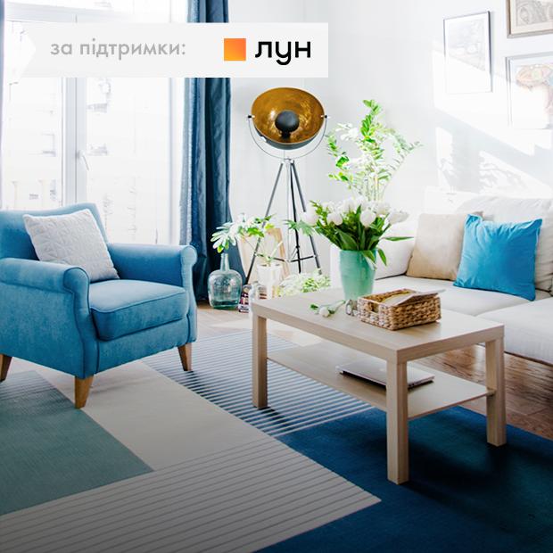 Камін і дерев'яні балки у квартирі на Подолі — Квартира тижня на The Village Україна