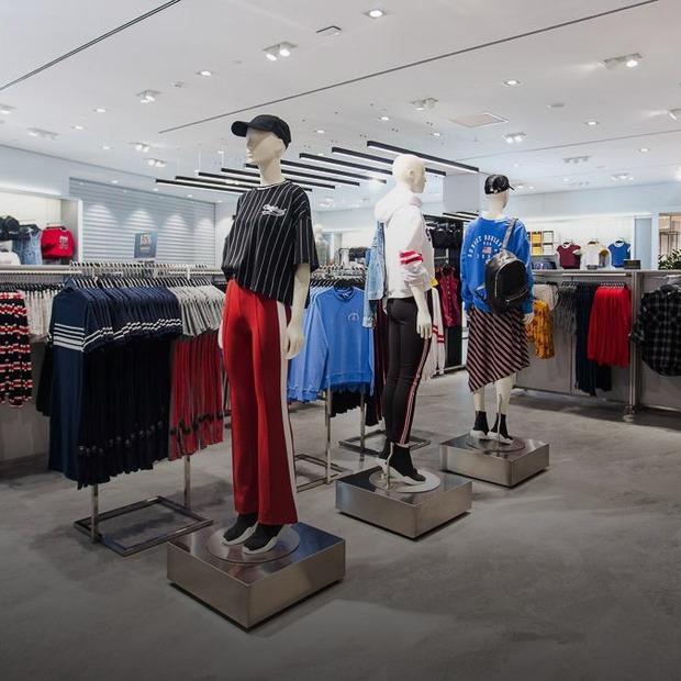 Перший H&M у Києві: черга на червоній доріжці, колекції та ціни — Нове місце на The Village Україна
