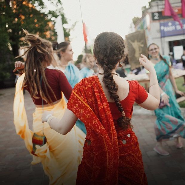 «Кураж Night Market India»: як це було — Фоторепортаж на The Village Україна