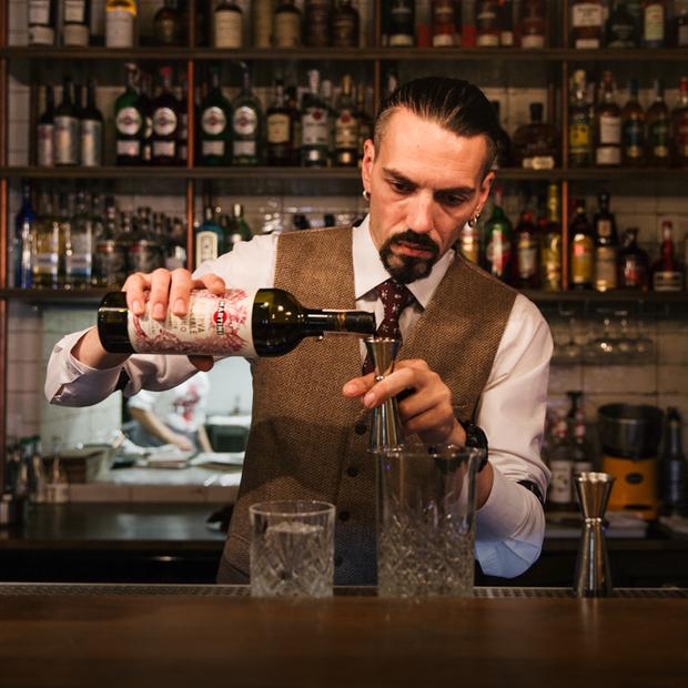 Міське кафе «Шарлатан» на Шота Руставелі — Нове місце на The Village Україна