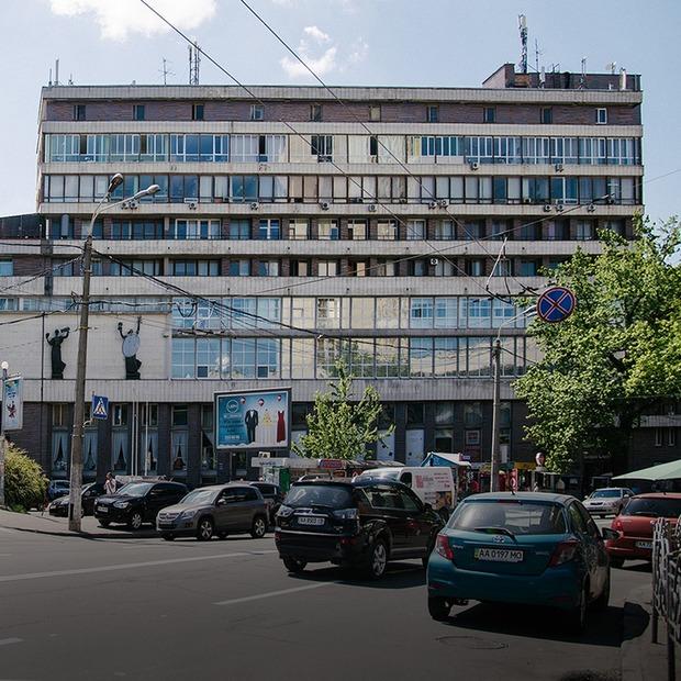 Я працюю у Будинку художника  — Де ти працюєш на The Village Україна