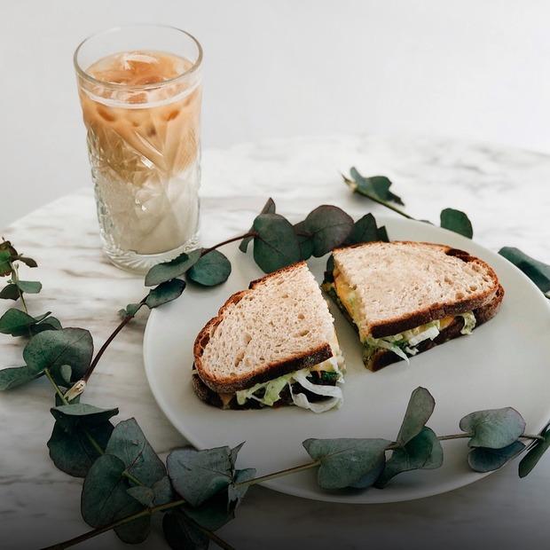 Ескімо від Mr.Pops та авокадо-тост у Kachorovska Cafe — Ресторанні новини на The Village Україна